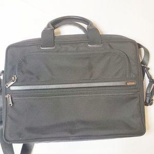 Tumi Black Computer Laptop Bag Briefcase Career